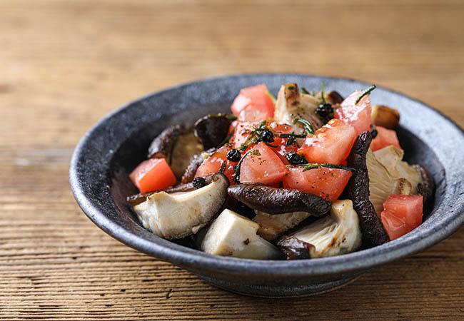 椎茸とトマトのサラダ